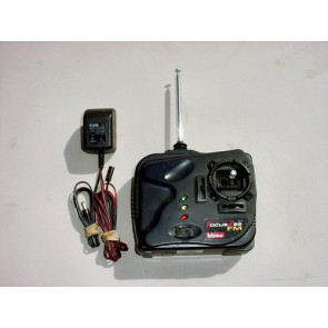 HITEC FOCUS 3CH FM 2/B-8 SERVOS TX NICADS WITH CHARGER